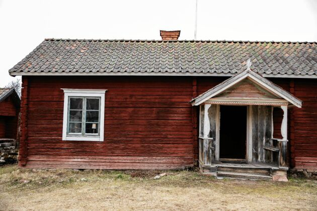 Gammelstugan tros vara från tidigt 1600-tal och var den första bostaden för släkten Börs.