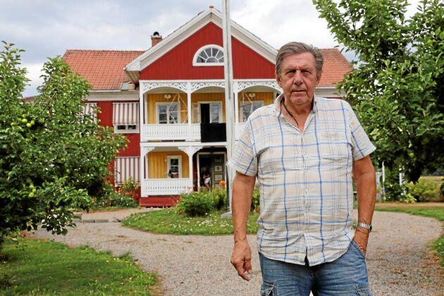 Björn Brink i Färila utanför Ljusdal drabbades hårt av förra sommarens skogsbränder. I stort sett hela hans livsverk förstördes i branden.