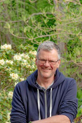 Björn Cederlund har planterat många magnolior i sin handelsträdgård på Arnö utanför Nyköping i Sörmland.