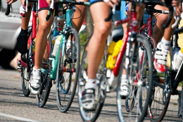 Region Dalarna rekommenderar att folk att bära heltäckande kläder under Cykelvasan som skydd mot smittade mygg.