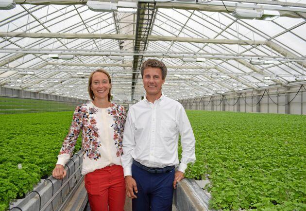Svegro tar steget från att enbart odla örter och sallater i kruka, till att också förädla produkter baserade på odlingen. Varuförsörjningschef Kristin Orrestig och ordförande Otto Drakenberg tror att det är modellen för framtiden.