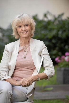 Marie-Louise Eklöf menar att läkande växter hjälper kroppens egna processer på traven.