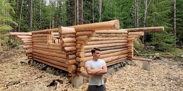 Succé på youtube – Erik, 20, bygger timmerhus för hand
