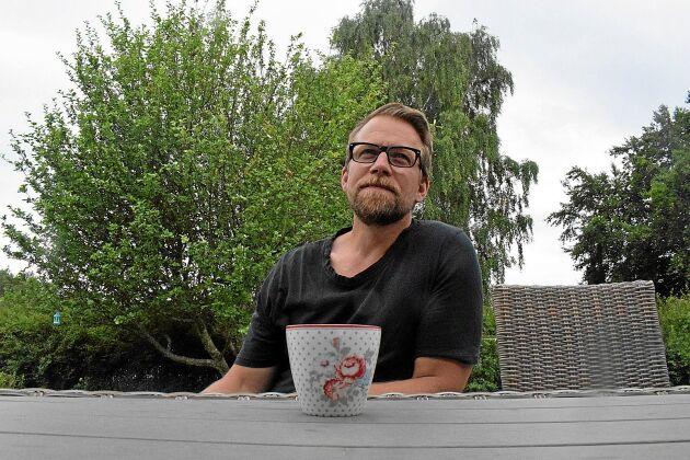 Erik Åberg gillar att tillsätta frukter och bär från den egna trädgården i sina öl.