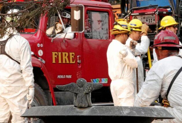 Brandmän i Paradise, det samhälle som blivit totalförstört av skogsbranden som rasat i Kalifornien.