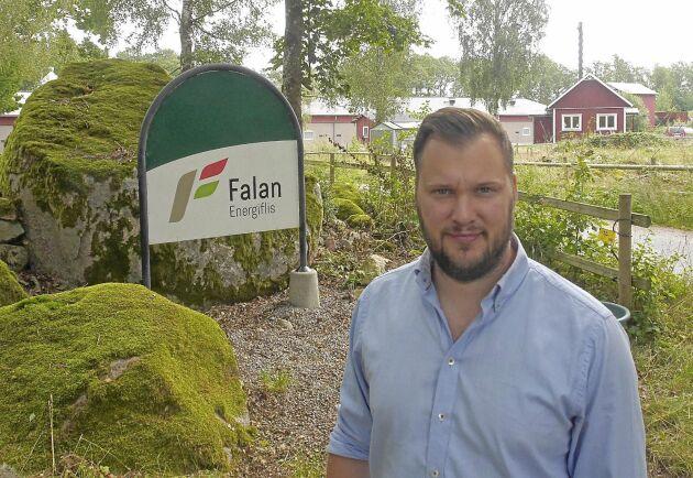 Ola Petersson driver sitt företag från släktgården norr om Karlskrona.