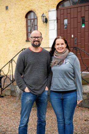 Daniel och Anna lever på sitt kafferosteri.