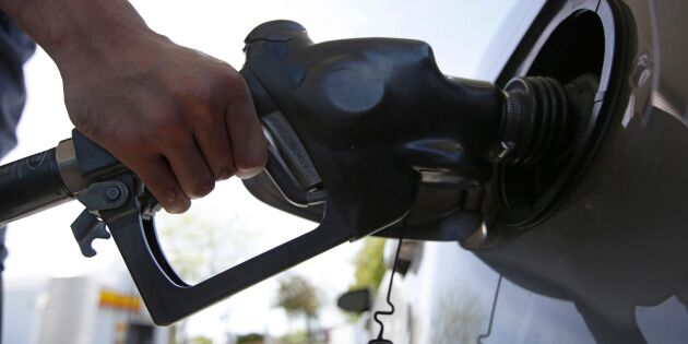 Chockhöjning av bensinpriset