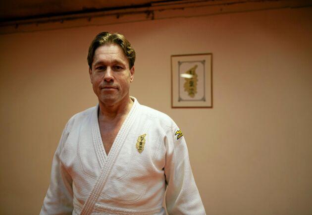 En stor efterfrågan, främst från äldre, har lett till att judoinstruktören Magnus Cederblad nu har startat kurser i fallteknik.