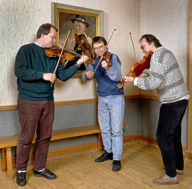 1991. Spelmännen samlades igen i Orsa hembygdsgård, 20 år efter debuten i Land. Anders arbetade vid denna tid i Göteborgs Symfoniker.