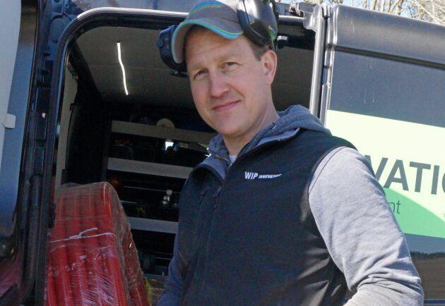 Peter Ingemann Wahlgren driver firman från Sverige, men har danskt ursprung och många kunder även i Danmark och Finland.