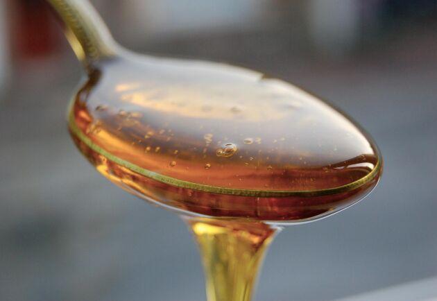 Nära hälften av alla honungsbidrag på tävlingen underkändes i den kemiska analysen och gick inte vidare till provsmakning.