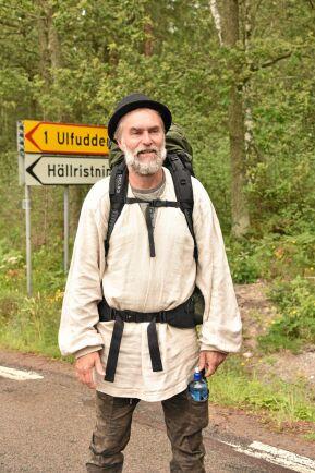 """""""Om man vandrar mer än ett par dagar kommer det oundvikligen upp tankar i huvudet"""", säger Lars."""