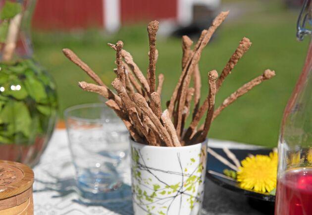 Knäckesticks är ett riktigt gott, roligt och nyttigt alternativ till chips och salta pinnar.