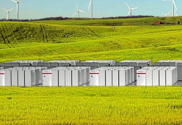 Teslas nya jättebatteri i Australien har en kapacitet på 100 megawatt och laddas av en närbelägen vindkraftspark.