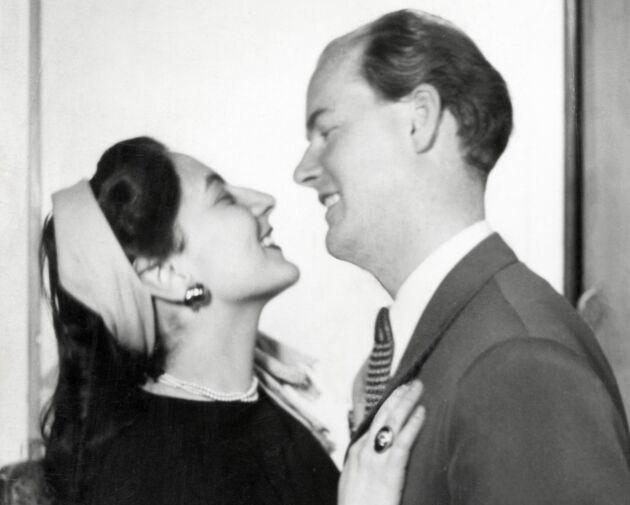 Olle Eksell arbetade på annonsbyrån Ervaco i Sverige, det var där han träffade sin blivande fru och livskamrat Ruthel Eksell.