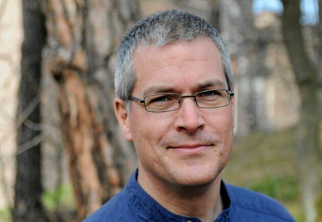 Didrik Vanhoenacker, jourhavande biolog på Naturhistoriska riksmuseet svarar på frågor på aspluddet.