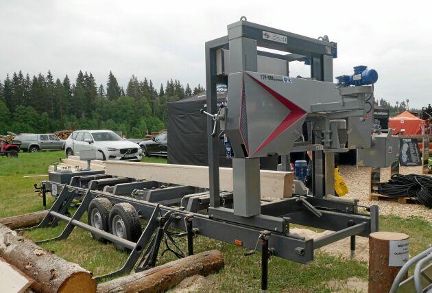 Bamsesågen visade det polska sågverket Trak-Met, som de nu säljer i Sverige. Här är modellen TTP 600 Premium monterat på en trailer.