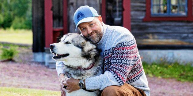 """Ulf bor på en fäbod i skogen utan el: """"Jag är inte osocial men älskar tystnaden!"""""""