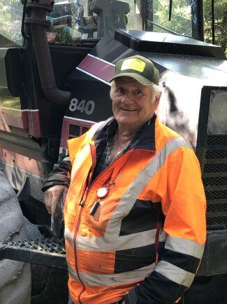 Lars-Gunnar Dahlström, lantbrukare och skogsägare i Sorunda, har tröttnat på nedskräpningen på hans mark.