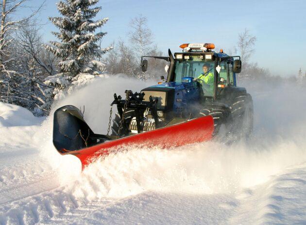 Snöröjning blir en allt mindre populär syssla. Vintern 2019 kan det komma att råda brist på snöröjare.