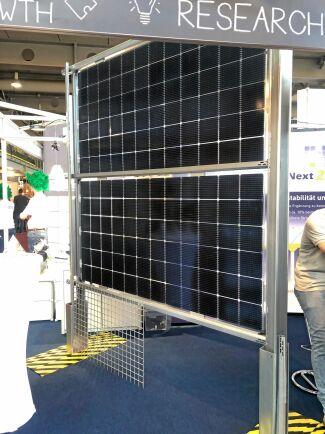 Lodräta solceller ska maximera vinsten för elproducenter.