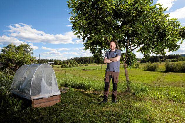 I mesta möjliga mån vill Peter Bivesand och hans familj vara självförsörjande om en kris skulle uppstå. En del i det är att odla egna grönsaker.