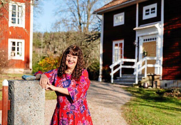 Karin Perers är stolt över sin skogsgård i Mörtarbo, i södra Dalarna.