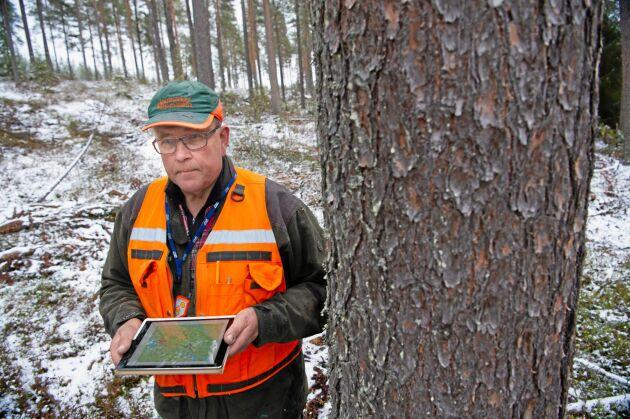 – Det vore ju en stor fördel om även andra operatörer kunde erbjuda ett roamingkort, säger Carl-Henry Lundström, Glommersträsk, Lundströms skogstjänst, Skogsingenjör.
