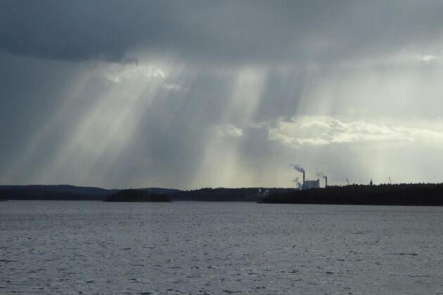 550 kubikmeter vitlut har släppts ut från Gruvöns bruk i Grums.