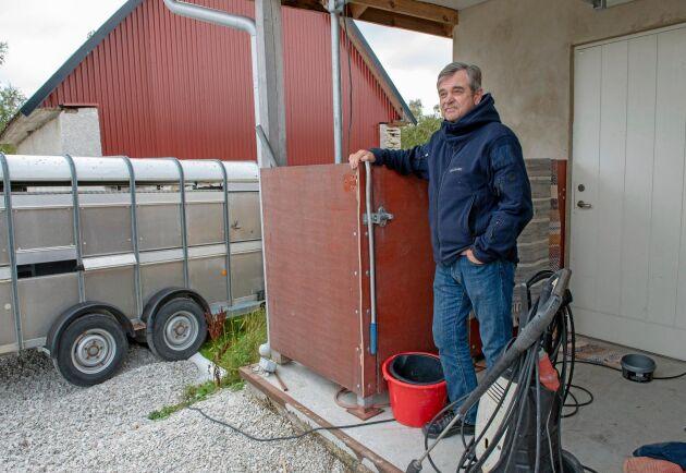 ATL har tidigare berättat om Bertil Gabrielsson, fårbonde som valt att sluta slakta sina lamm själv.