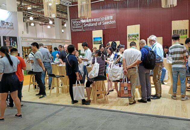 Svenska trävaruexportörer mötte nya affärskontakter på mässa i Shanghai.