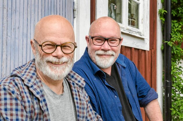 Många var nyfikna på Affe och Thomas i början, efter att de hade köpt den gamla skolan.