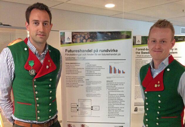 Per Kjellander och Andreas Aronsson vid presentationen av deras exjobb på SLU i Uppsala.