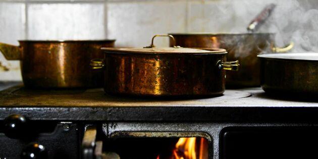 Enkel vedugnsguide: Så eldar du i köksspis