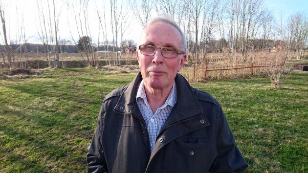 Bo Wretblad på Ängsbergs gård kan nu driva vidare mjölkproduktionen sedan kommunstyrelsen sagt nej till en utbyggnad av köpstaden.