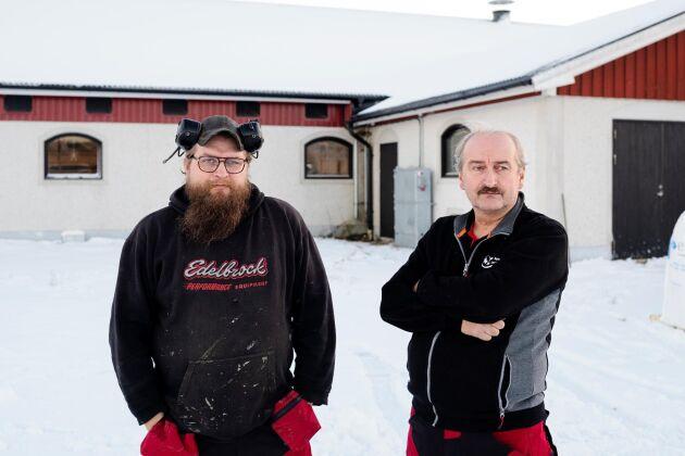 I februari 2018 rasade taket till Markus (till vänster) och Lennart Bylunds kostall i Sidensjö (arkivbild).