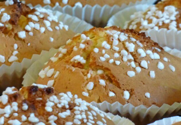 Hastbullar i muffinsform med en ljuvlig kanelgömma.