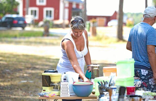 Ingrid Lundqvist gjorde flera riktigt fina fynd. Bland annat köpte hon en gjutjärnsstekpanna i riktigt bra skick för endast 40 kronor.