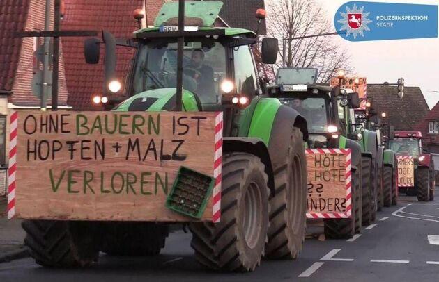 Sammanlagt över 4 000 traktorer deltog i protester runt om i Hamburg.