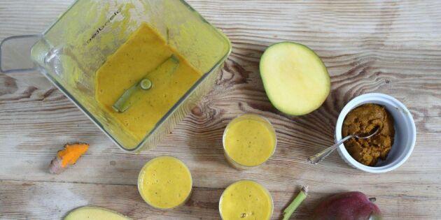 Guldsmoothie med gurkmeja och ingefära – så gör du den