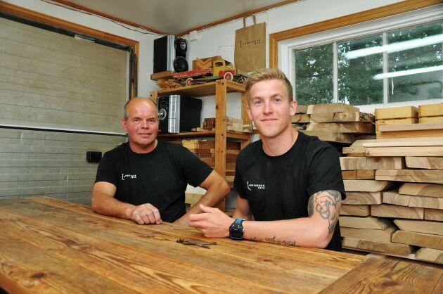 Bengt står för snickerikunskaperna, och Eric ansvarar för försäljningen.