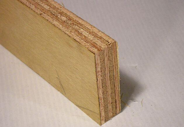 Den enda kvarvarande plywoodtillverkningen i Sverige drivs numera av norska Moelven.