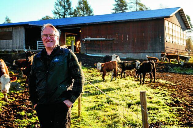 Kenneth Åström driver Gubbölegården tillsammans med sin fru Kerstin Lööf som dock inte var hemma när bilden togs.