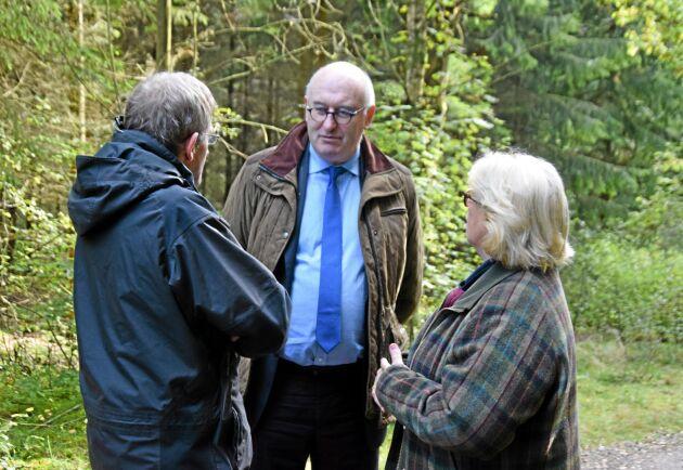 Bra diskussioner i skogen med EUs jordbrukskommissionär Phil Hogan, Tom Tynan, EU-kommissionen, och Lena Ek, Södras ordförande.