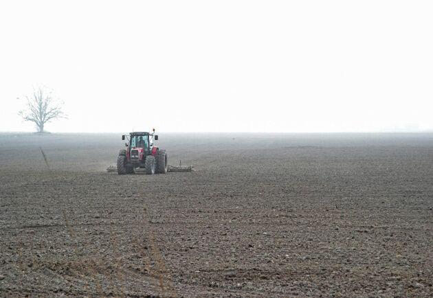 """""""Grundproblemet är inte torkan utan att lönsamheten i jordbruket är för dålig"""", menar Magnus Oscarsson (KD)."""
