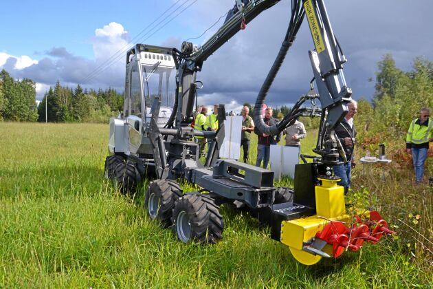 Tillsammans med det finska maskinföretaget Usewood har Eon arrangerat maskindemonstrationer på tre olika platser i landet.