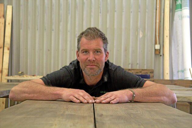 Erik Hjärtfors, entreprenör och företagare inom småskalig träförädling, skriver krönikor i Land Skogsbruk.