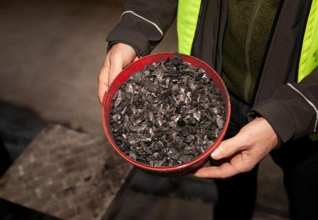 En inkörningsperiod har behövts för att få rätt mängd syre och flis vid förbränningen.