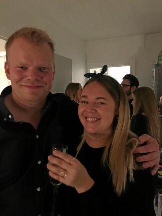 Skogsbonden Per och hans Sofie kommer att flytta ihop på gården i Främsteby före nyår.